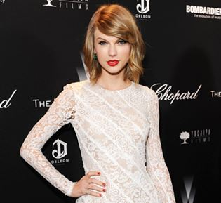 Taylor is back on top of the charts! #sojonesnews